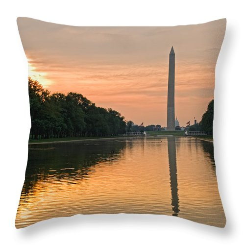 Washington Monument Throw Pillow featuring the photograph Washington Monument At Dawn by Jim Moore