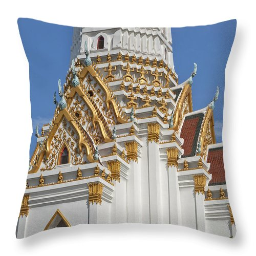 Bangkok Throw Pillow featuring the photograph Wat Phitchaya Yatikaram Central Prang Dthb1189 by Gerry Gantt