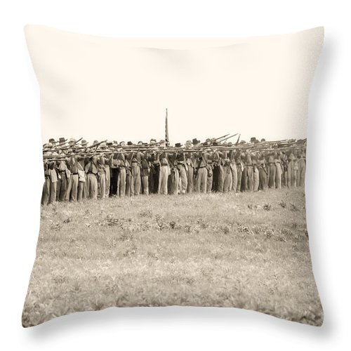 150th Throw Pillow featuring the photograph Gettysburg Confederate Infantry 0157s by Cynthia Staley