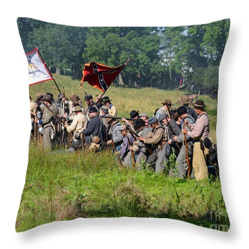150th Throw Pillow featuring the photograph Gettysburg Confederate Infantry 9281c by Cynthia Staley
