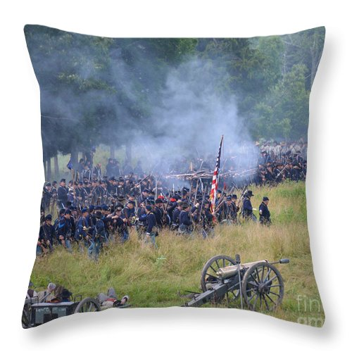 150th Throw Pillow featuring the photograph Gettysburg Union Artillery And Infantry 8456c by Cynthia Staley
