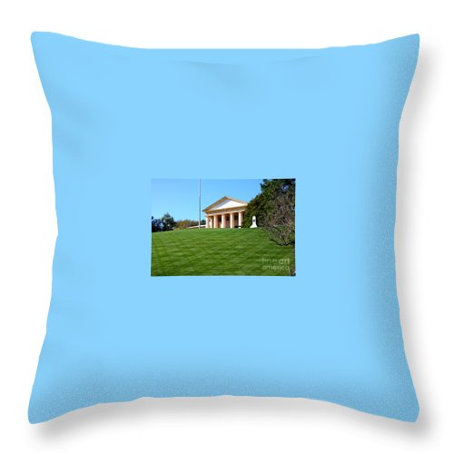 This Is A Photo Of The Manicure Lawn In Front Of Arlington House Throw Pillow featuring the photograph Arlington House by William Rogers