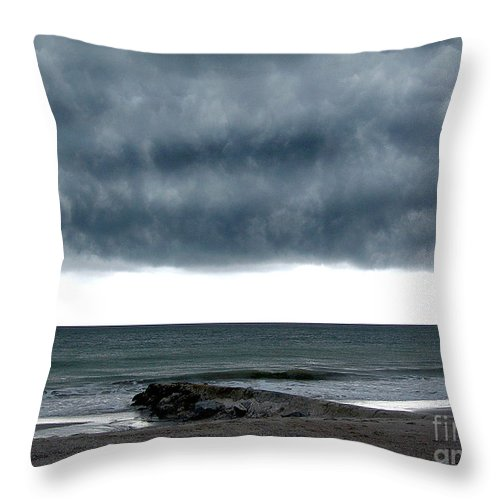 Scenic Tours Throw Pillow featuring the photograph Cauldron by Skip Willits