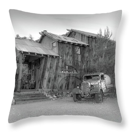 Black And White Throw Pillow featuring the photograph Desert Car By Sheri Harvey Shargraphics.com by Sheri Harvey