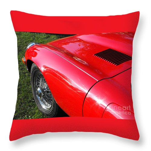 Jaguar Throw Pillow featuring the photograph Jaguar E-type by Neil Zimmerman