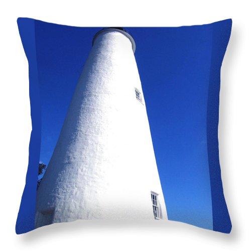 Ocracoke Throw Pillow featuring the photograph Ocracoke Island Light House by Wayne Potrafka