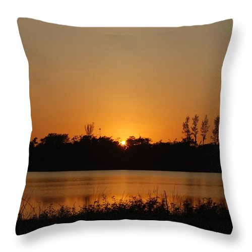 Nature Throw Pillow featuring the photograph Sunset On The Edge by Rob Hans