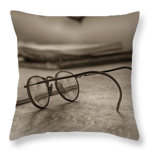 Empire Mine State Park Throw Pillow featuring the photograph The Spectacles by Shawn McMillan