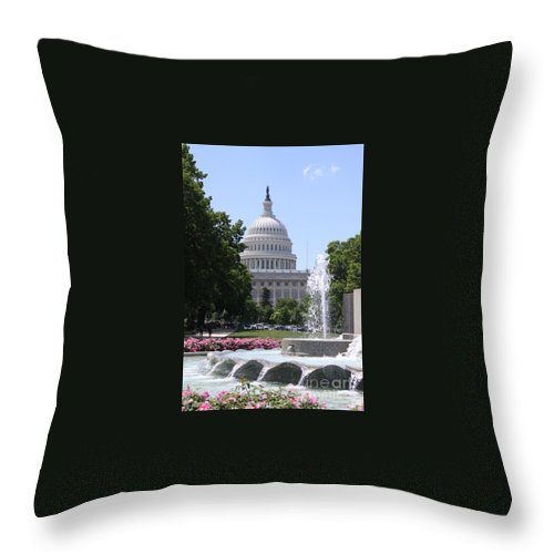 Washington Dc May 2014 Throw Pillow featuring the photograph U S Capitol by William Rogers