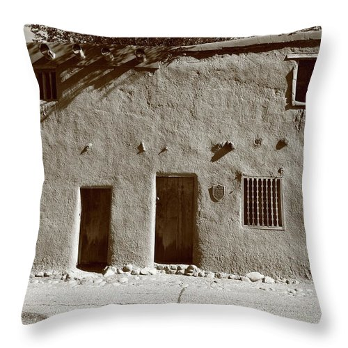 Adobe Throw Pillow featuring the photograph Santa Fe - Adobe Building by Frank Romeo