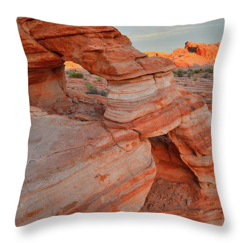 Valley Of Fire State Park Throw Pillow featuring the photograph First Light On Valley Of Fire by Ray Mathis