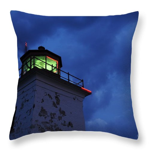 Beacon Throw Pillow featuring the photograph Lighthouse At Night by Joe Ng