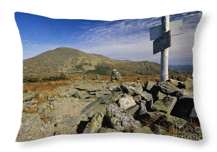 Mount Washington Throw Pillow featuring the photograph Mount Washington - White Mountains New Hampshire Usa by Erin Paul Donovan