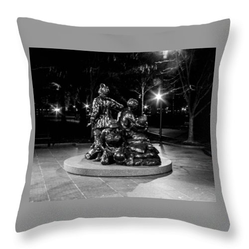 Washington Dc Dec 1 Throw Pillow featuring the photograph Vietnam Wall by William Rogers