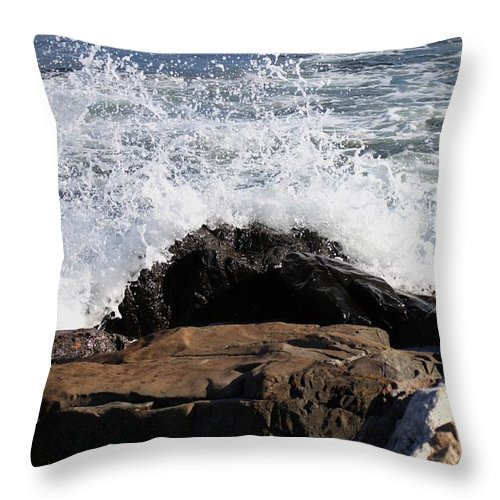 Ocean Throw Pillow featuring the pyrography 2010 Nh Seacoast 6 by Robert Morin