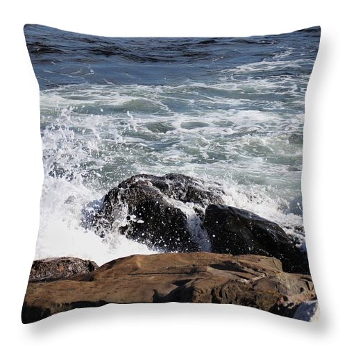 Ocean Throw Pillow featuring the pyrography 2010 Nh Seacoast 7 by Robert Morin