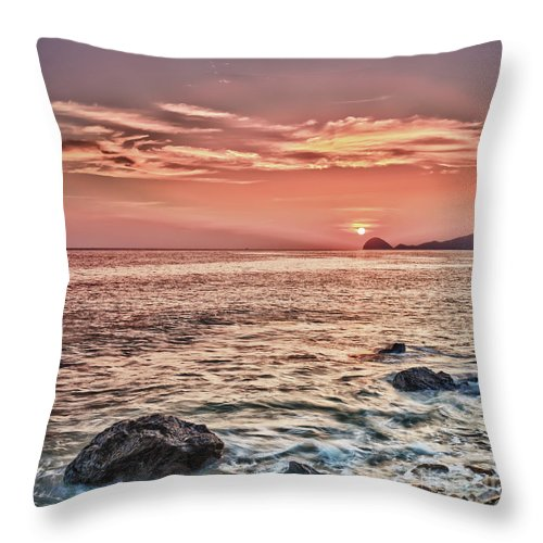 Tropical Throw Pillow featuring the photograph Sunrise by MotHaiBaPhoto Prints