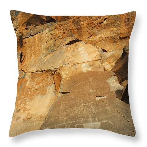 Ancient Throw Pillow featuring the photograph Olowalu Petroglyphs by MakenaStockMedia