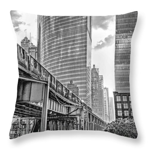 333 Throw Pillow featuring the photograph 333 W Wacker Drive Black And White by Christopher Arndt