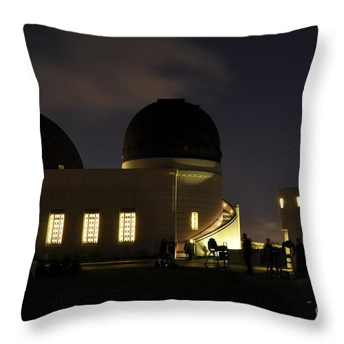 Clay Throw Pillow featuring the photograph Night At Griffeth Observatory by Clayton Bruster