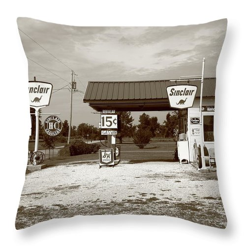 66 Throw Pillow featuring the photograph Route 66 Sinclair Station by Frank Romeo