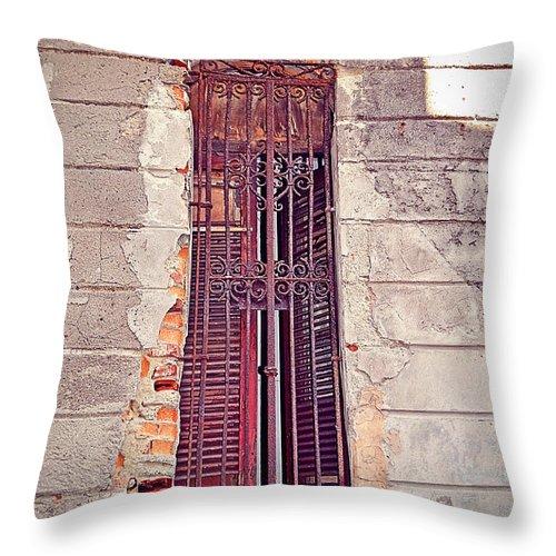 Havana Throw Pillow featuring the photograph Havana, Cuba by Chris Andruskiewicz