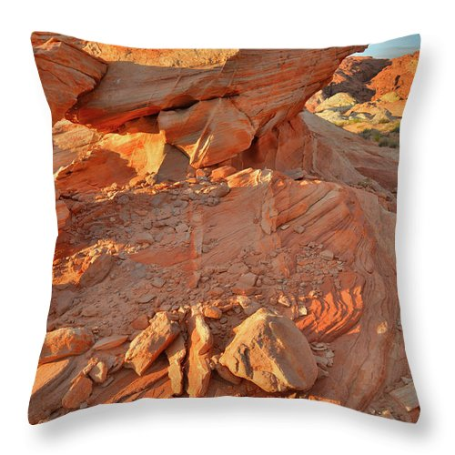 Valley Of Fire State Park Throw Pillow featuring the photograph Sunrise On Valley Of Fire by Ray Mathis