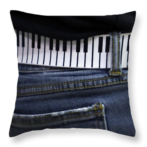 Acoustic Throw Pillow featuring the photograph A Belt Of Cords by Alan Look
