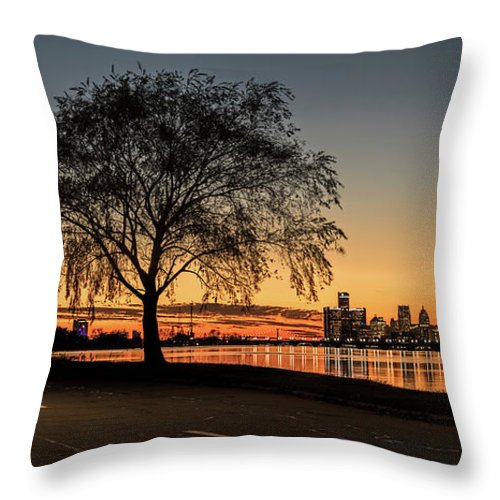 Cityscape Throw Pillow featuring the photograph A Detroit Sunset - The View From Belle Isle by Wes Iversen