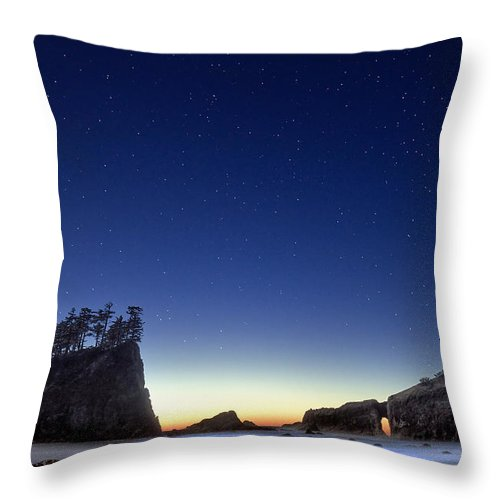 Landscape Throw Pillow featuring the photograph A Night For Stargazing by William Freebilly photography