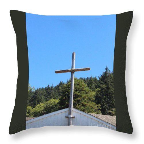 Cross Throw Pillow featuring the photograph A Simple Cross On Hwy 101 by Marie Neder