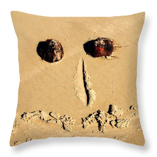 Beach Throw Pillow featuring the photograph A Smile For You by Susanne Van Hulst