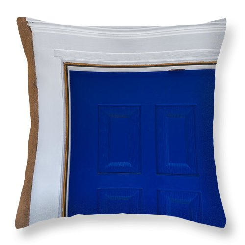 Canyon Road Throw Pillow featuring the photograph A Touch Of Blue by Gary Lengyel