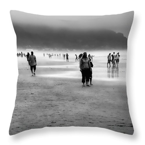 Cannon Beach Throw Pillow featuring the photograph A Walk In The Mist by David Patterson