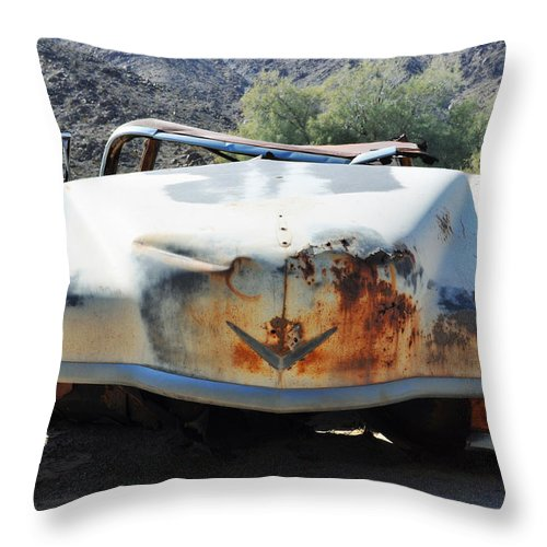Mojave Throw Pillow featuring the photograph Abandoned Mojave Auto by Kyle Hanson