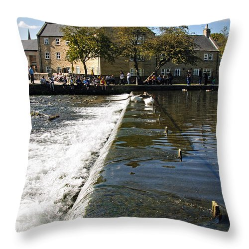 Bakewell Throw Pillow featuring the photograph Across The Weir At Bakewell by Rod Johnson