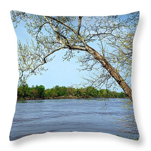missouri River River Throw Pillow featuring the photograph Across The Wide Missouri by Cricket Hackmann