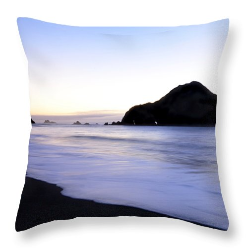 Elk Beach Throw Pillow featuring the photograph After Glow At Elk Beach 1 by Bob Christopher