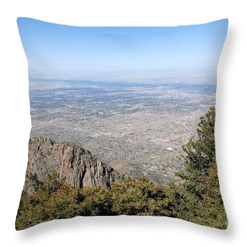 Albuquerque Throw Pillow featuring the photograph Albuquerque And The Rio Grande by David Lee Thompson
