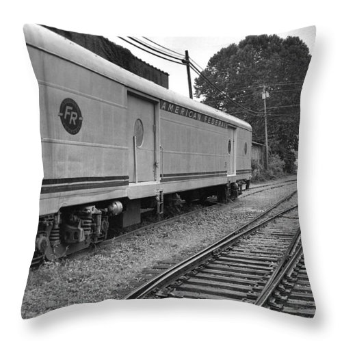 Trains Throw Pillow featuring the photograph American Federail by Richard Rizzo