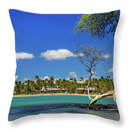 Bay Throw Pillow featuring the photograph Anaehoomalu Bay by James Eddy