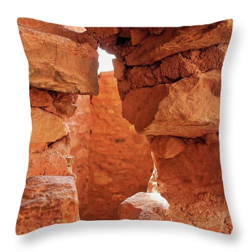 Cliff Dwellings Throw Pillow featuring the photograph Anasazi Cliff Dwellings #8 by Lorraine Baum