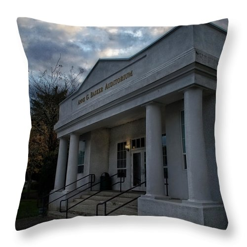 Special Effect Throw Pillow featuring the photograph Anne G Basker Auditorium In Grants Pass by Mick Anderson