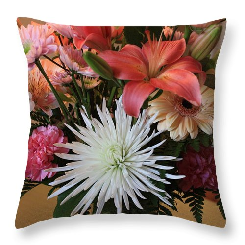 Bouquet Throw Pillow featuring the photograph Anniversary Card by Carol Groenen