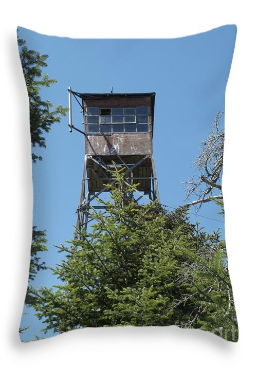 Firetower Throw Pillow featuring the photograph Appalachian Trail - Smarts Mountain New Hampshire Usa by Erin Paul Donovan