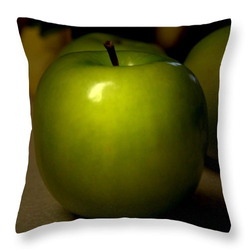 Green Apples Throw Pillow featuring the photograph Apple by Linda Sannuti