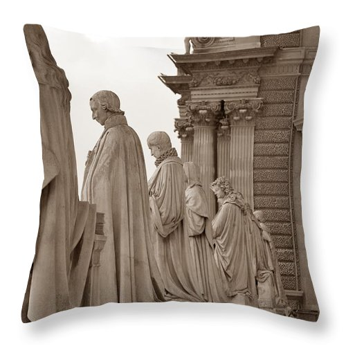 Paris Throw Pillow featuring the photograph Art Observing Life by J Todd