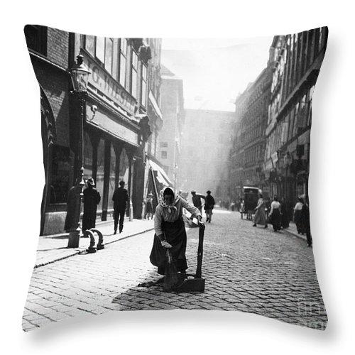 1916 Throw Pillow featuring the photograph Austria: Vienna, 1916 by Granger