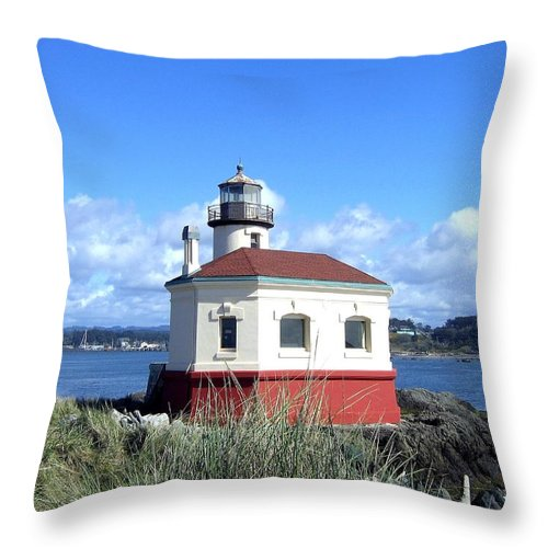 Coquille Lighthouse Throw Pillow featuring the photograph Bandon 1 by Will Borden
