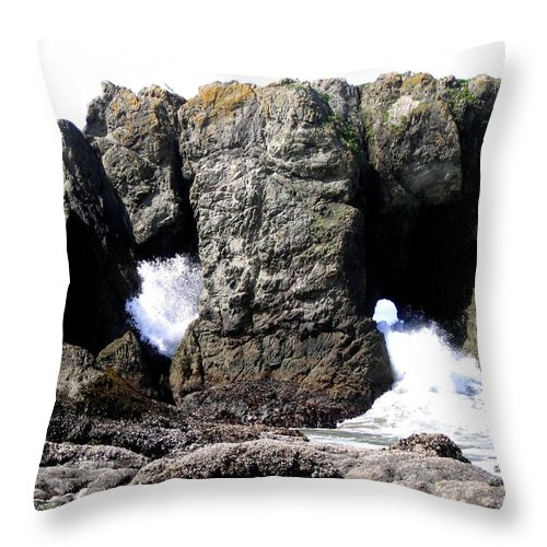 Bandon Throw Pillow featuring the photograph Bandon 17 by Will Borden
